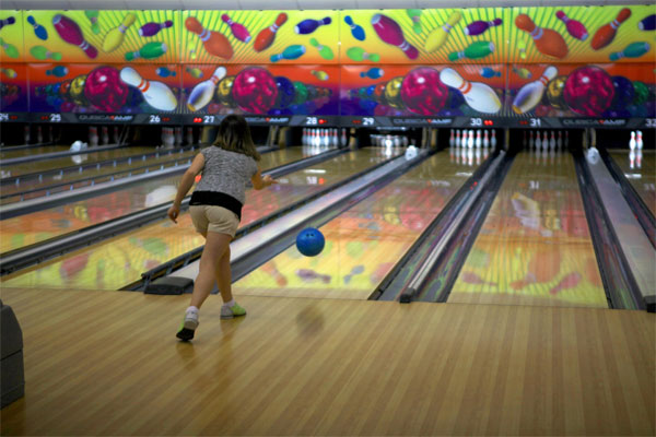 Bowling alley 600x400