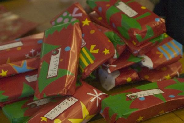 Christmas presents 600x400