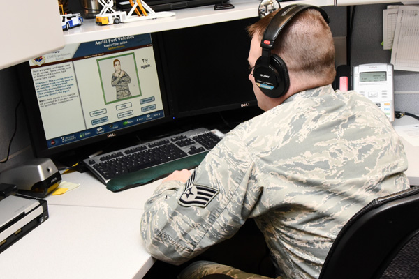Airman learning online.