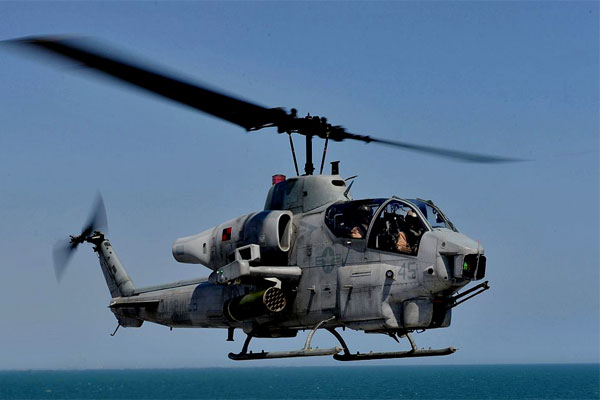 An AH-1W Super Cobra assigned to Marine Light-Helicopter Squadron (HMLA) 167. (US Navy photo/Mark Hays)