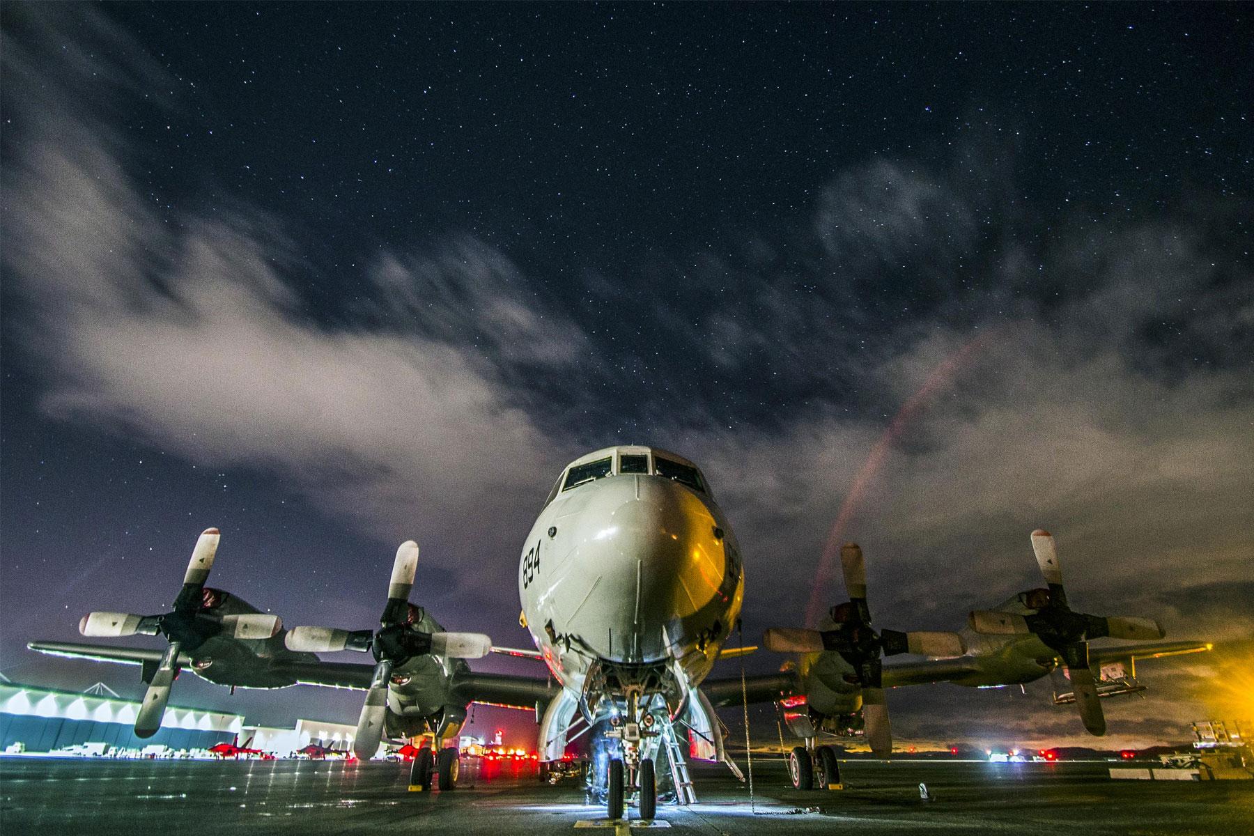 Navy Air Crew Safe After Emergency Landing in Oregon