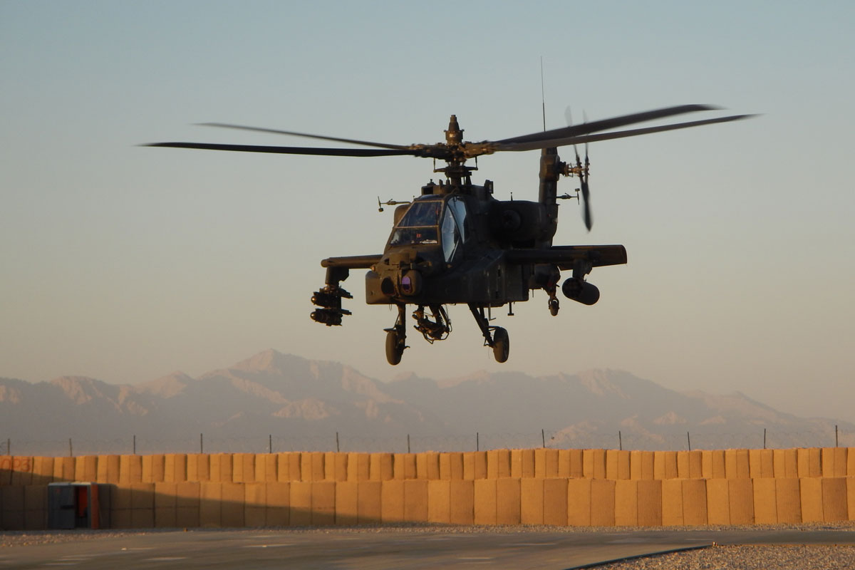 Apache Helicopters Take Action in Mosul Offensive