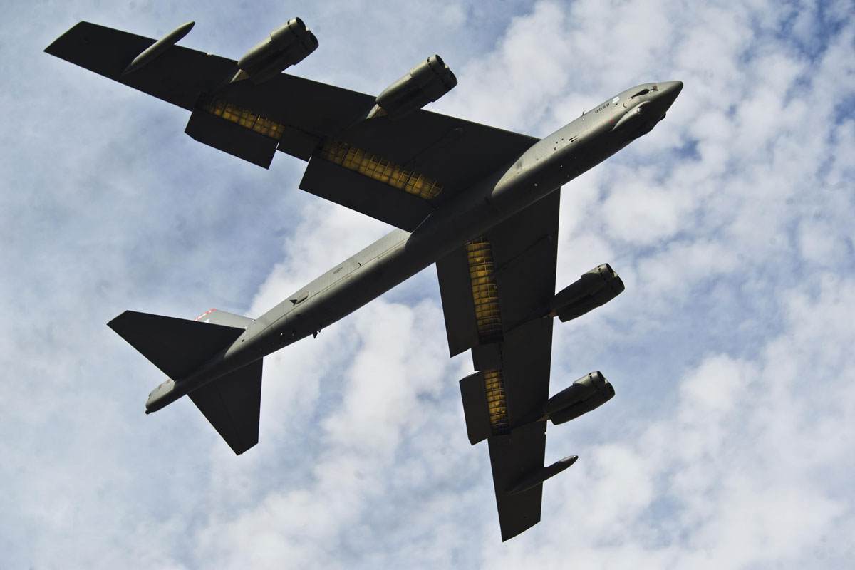 b 52 stratofortress. Black Bedroom Furniture Sets. Home Design Ideas
