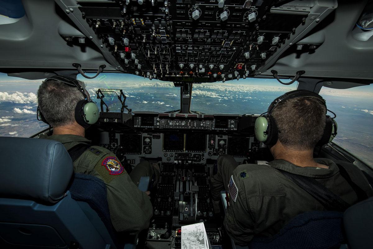 C 17 Globemaster Iii Military Com