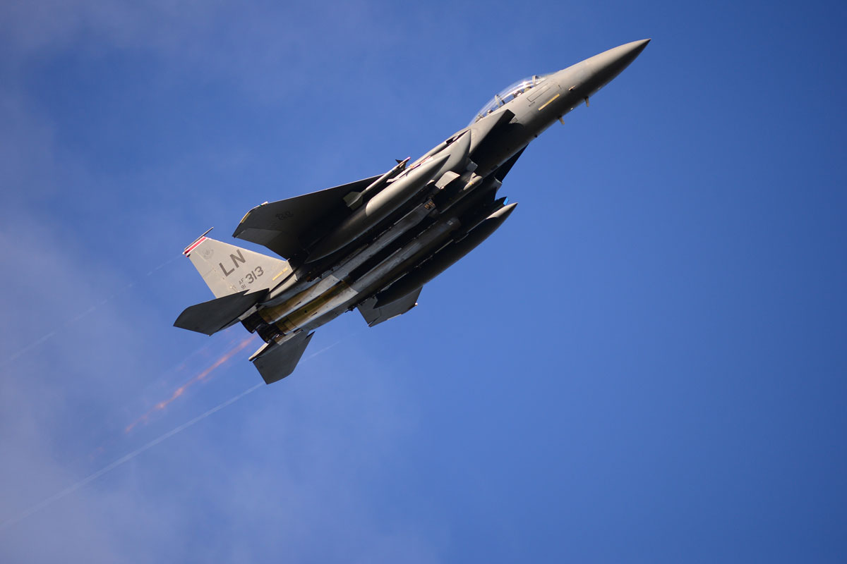f-15e-strike-eagle_001