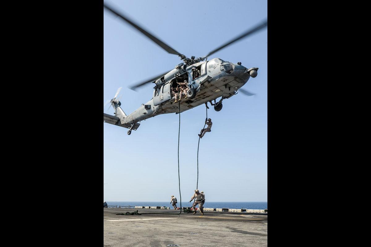mh-60r-sea-hawk_001