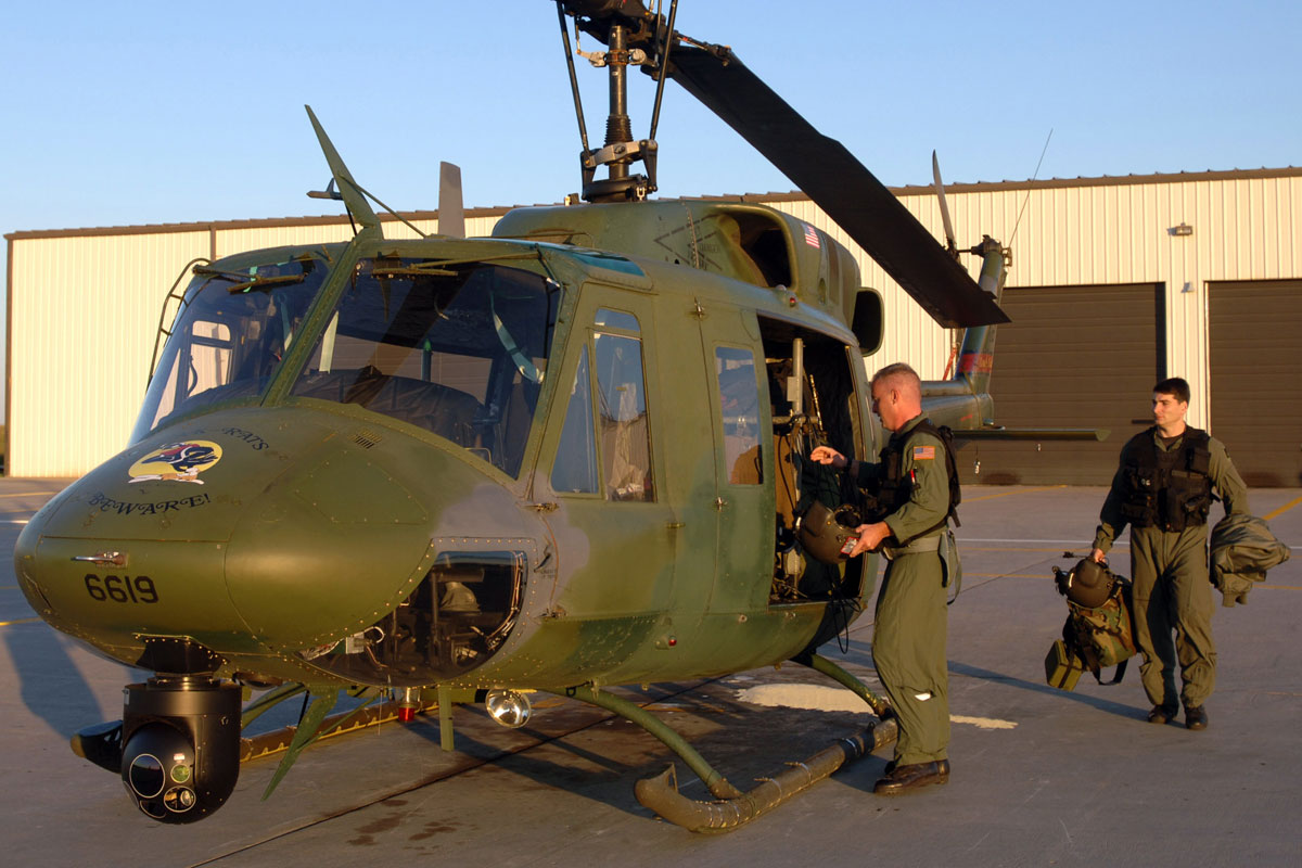 http://images04.military.com/media/equipment/military-aircraft/uh-1n-iroquois/uh-1n-iroquois_010.jpg