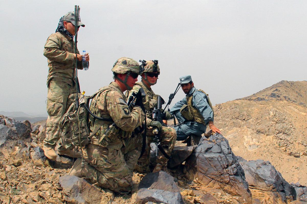 army-combat-uniform-008