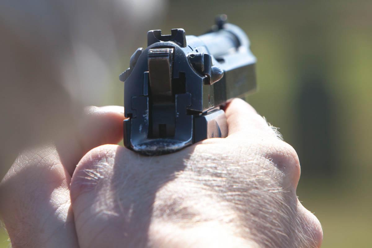 m9-pistol-008