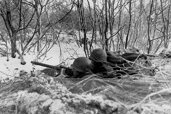 a history of the battle of the bulge in world war ii Facts, information and articles about battle of the bulge, a battle of world war ii battle of the bulge facts date 16 december 1944 – 16 january 1945 location the ardennes, belgium, luxembourg, and germany result allied victory troop strength 80,000 allies initially ultimately 600,000+ 200,000 germany initially ultimately 500,000 casualties.