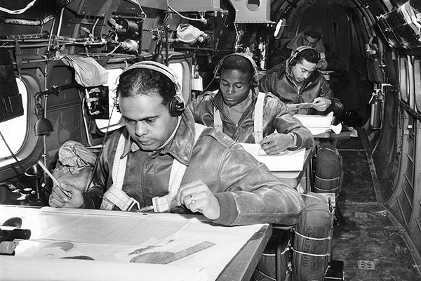 tuskegee airmen essay outline Related themes of black history tuskegee airmen the tuskegee airmen were the first african-american aviators, serving in many fighting forces during world war ii.