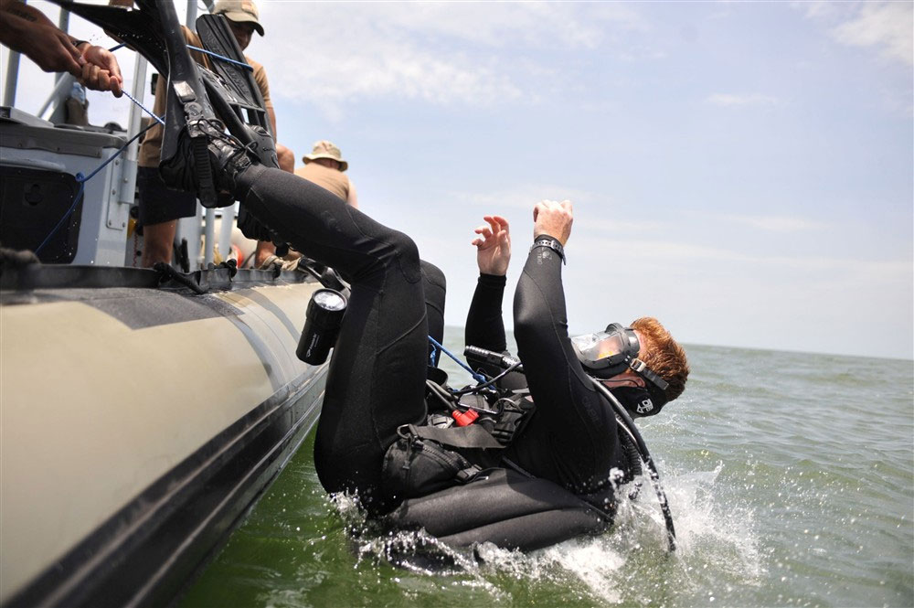 Navy EOD - Diver Training