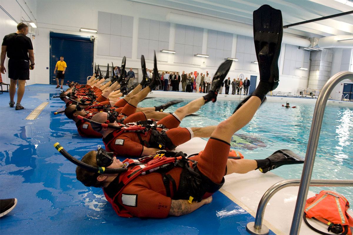 Swimming With Fins | Military.com