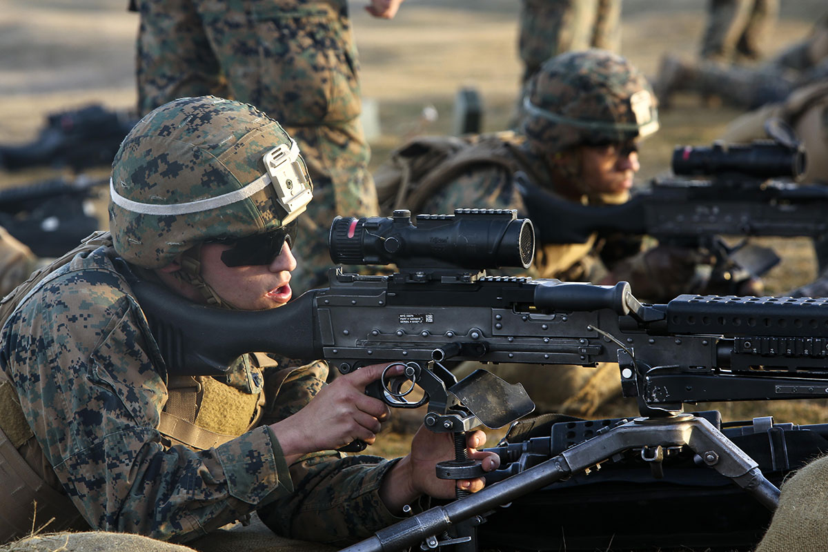 U.S. Marines with Black Sea Rotational Force fire M240B light machine guns during a live-fire exercise to confirm their zero aboard Mihail Kognalniceanu Air Base, Romania, Feb. 2, 2016. (U.S. Marine Corps/ Cpl. Kelly L. Street)