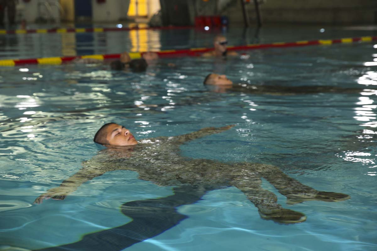 SwimmingPreparationMilitary