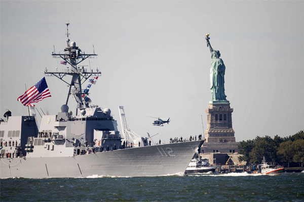 Guided missile destroyer Michael Murphy 600x400