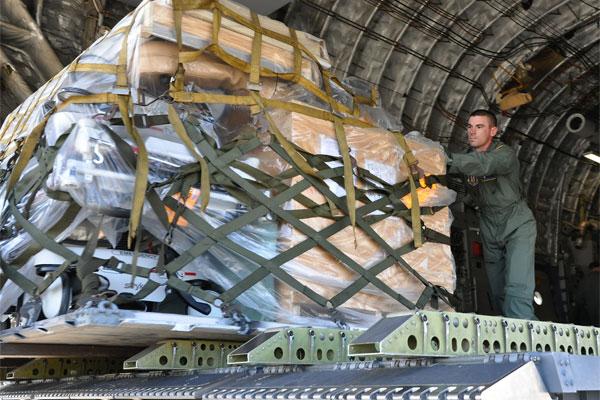 Cargo in C-17 600x400