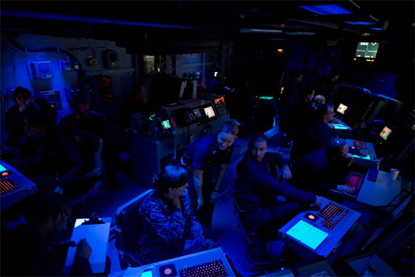 USS Carl Vinson air traffic control center 600x400