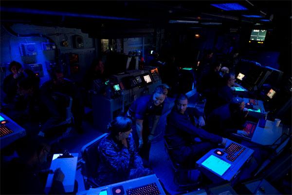 USS Carl Vinson air traffic control center 600x400