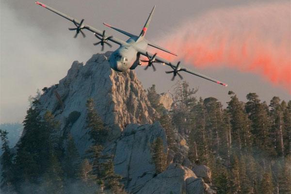 C130J Super Hercules drops retardant 600x400