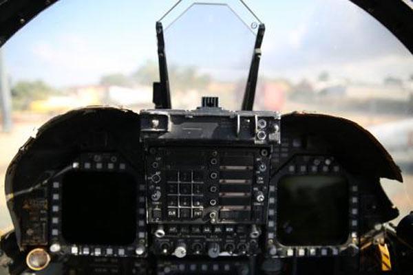 cockpit of Hornet 600x400