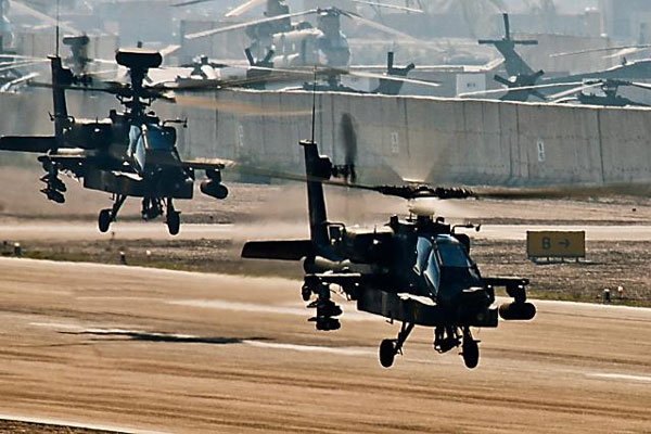 AH-64 Apaches in Iraq
