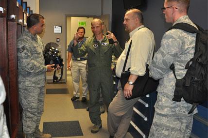 Airmen talking 428x285