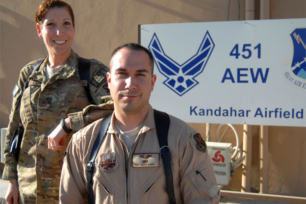 Master Sgt Tracy Bennett and Staff Sgt Alan 600x400