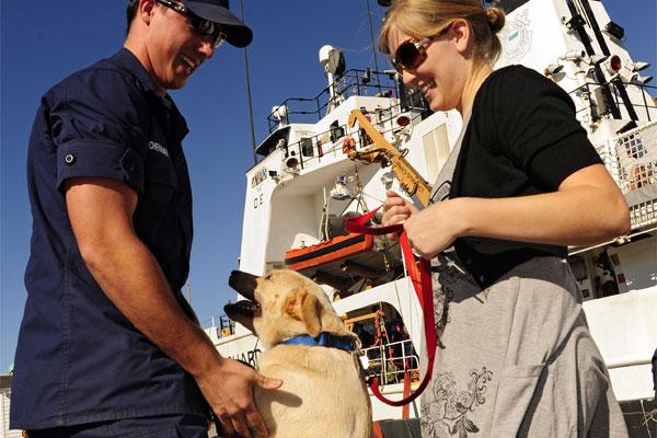 Coast Guard homecoming 600x400