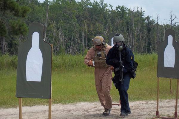 Coast Guardsmen conduct tactical training 600x400