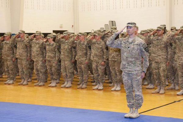 Army welcome home ceremony 600x400