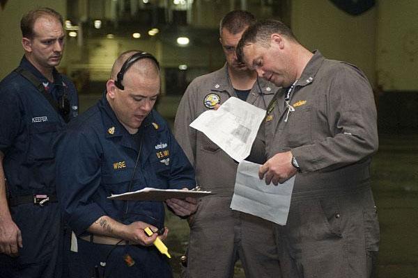 Navy INSURV inspecting ships 600x400