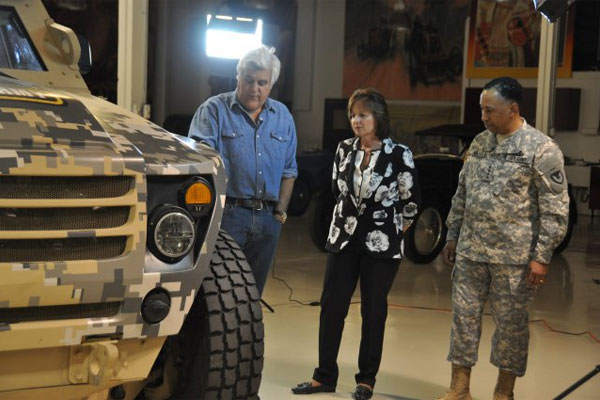 Jay Leno and Army vehicle 600x400