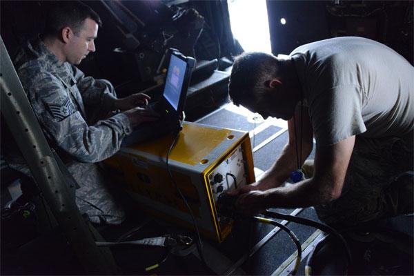 Maintenance Airmen 600x400