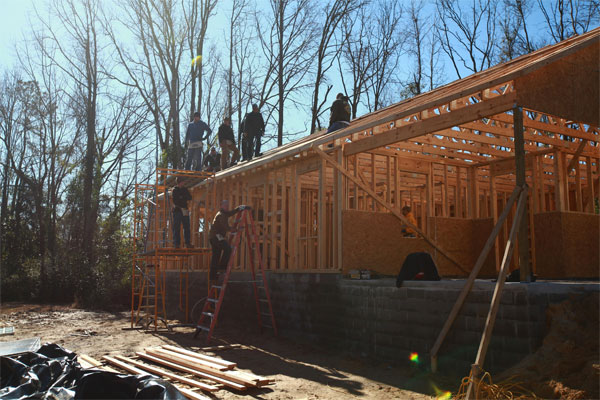 Marines and Habitat for Humanity 600x400