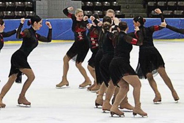 Air National Guard Technical Sgt. Deena DeLaRosa skates 600x400