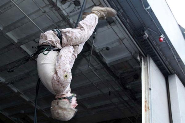 Sergeant Scott W. Gilchrist rappelling 600x400