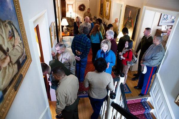 Marines tour Commandants house 600x400