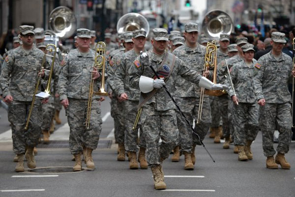 National Guardsmen in parade 600x400