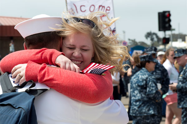 Navy homecoming 600x400