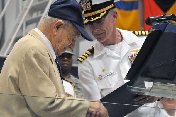 Navy vet Joe Sanes 600x400