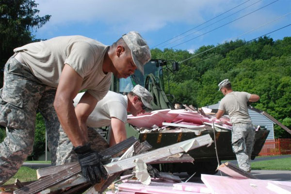National Guard cleans up flood damage 600x400