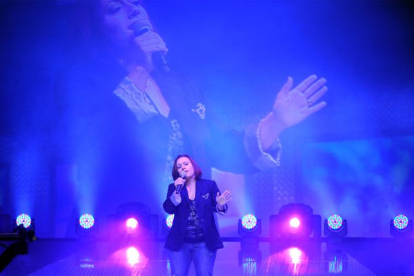 Melissa Gomez singing 600x400
