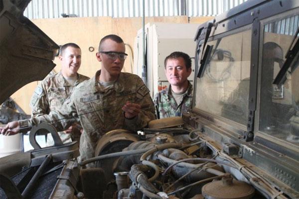 Army mechanics 600x400