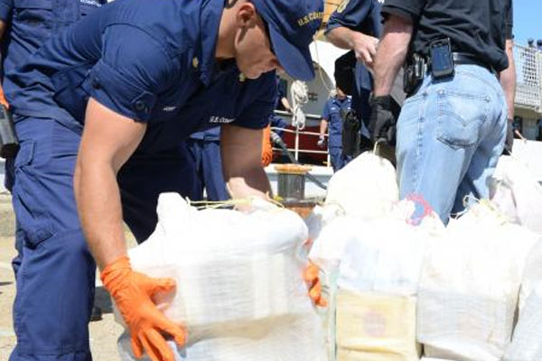 Coast Guard seizes cocaine 600x400