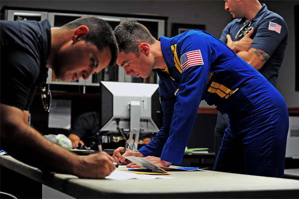 members of Blue Angels 600x400
