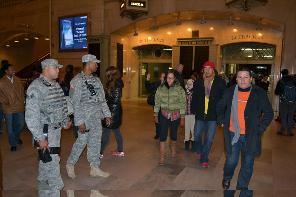 NY Guard Helps Safeguard Holiday Travelers   Military.com