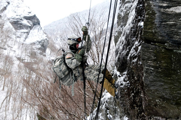 Army will begin issuing mountaineering kits to infantry brigades