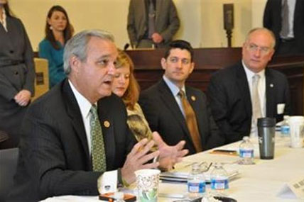 Congressman Jeff Miller at VSO Roundtable.