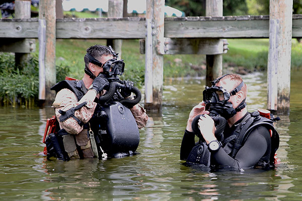 Marine Divers Train at New Open-Water Site | Military.com